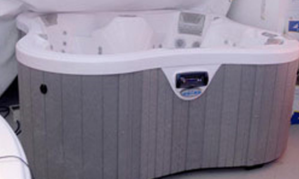 Aussen-Whirlpools Lotus Bay, Hersteller Dimension One Spas