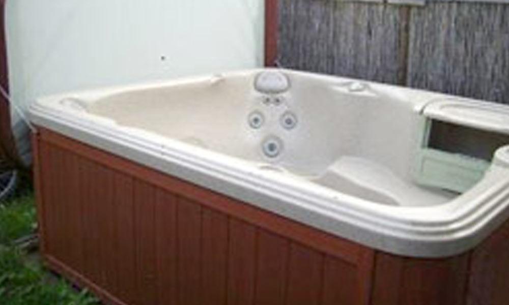 gebrauchte whirlpools gepr fte au en whirlpool jacuzzi anlagen nrw bei uns finden sie. Black Bedroom Furniture Sets. Home Design Ideas